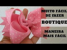 Laço boutique fácil de fazer - Boutique para iniciantes - YouTube Ribbon Bow Tutorial, Diy Tutorial, Ribbon Bows, Hair Bows, Baby Shoes, Projects To Try, Crafts, Handmade, Baby Hair Bows