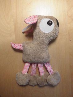 Doudou chien taupe et rose coeurs et pois  : Jeux, peluches, doudous par melomelie