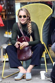 Gorgeous 30 Inspiring Jemima Kirke Hair Style Trend 2017 from http://www.fashionetter.com/2017/04/14/30-inspiring-jemima-kirke-hair-style-trend-2017/