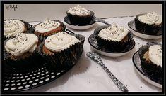 Cupcakes vanillés aux graines de chia Biscuits, Cata, Mini Cupcakes, Desserts, Food Trip, Chia Seeds, Gentleness, Vanilla, Greedy People