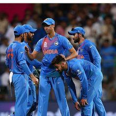 Din to kharab gaya lekin KOHLI mast khela.....LOSE OR WIN..Always support KOHLI and team INDIA....@virat.kohli @mahi7781 @jadduboy by damanisagar