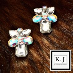 """Páči sa mi to: 4, komentáre: 1 – ArtJewelry by Kristína Jurinyi (@k.j.artjewelry) na Instagrame: """"#artjewelrybykristinajurinyi #handmadejewelry #aurora #dance #earrings…"""""""