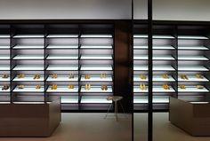 2013 - walk-in closet systems by Porro Italy. Design Piero Lissoni Handmade to fit any criteria