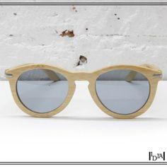 WAITING FOR THE SUN une naturel. Waiting for the sun, marque brito-parisienne de lunettes en bois / Waiting for the sun breton and parisian brand of wooden glasses. 1d1fa