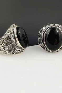 #onyx #ring #jewelry #rings #gold #handmade #wedding #accessories #style #silver Onyx Ring, Handmade Wedding, Wedding Accessories, Napkin Rings, Jewelry Rings, Gemstone Rings, Gemstones, Silver, Gold
