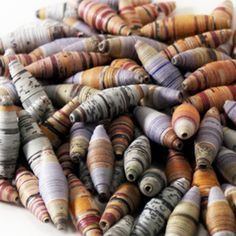 ideas for jewerly making tutorials necklace paper beads Paper Beads Tutorial, Paper Beads Template, Make Paper Beads, Paper Bead Jewelry, How To Make Paper, How To Make Beads, Quilling Tutorial, Beaded Jewelry, Jewelry Necklaces