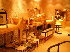 Tutankhamun's tomb II by Steve Parker, via Flickr. A reproduction of King Tut's tomb as it was found by Howard Carter.