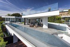 Calvin Klein Buys $25 Million designed by Minotti | Celebrity Homes