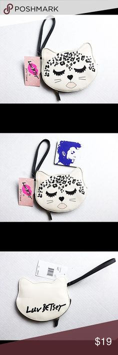 """😻🌟Betsey Johnson luv kitty cat leopard wristlet Brand new with tag Betsey Johnson kitty cat leopard wristlet. Made of faux leather. Measures 7"""" length 5"""" height .5"""" width. 😻✨ Betsey Johnson Bags Clutches & Wristlets"""