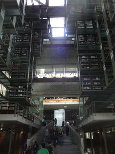 Escalera de la Biblioteca Vasconcelos.