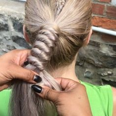 In need of some braiding inspo? amika Global Artistic Director Naeemah LaFond is always creating new types of twists, knots and braids and we are here for it. Take your clients beyond the basic 3-strand with the help of these five quickie videos.     1. The Knotted Rope Braid   A post shared by … Continued