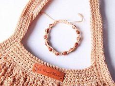 Faire un sac filet au crochet - Blog My Chic Mercerie Filet Crochet, Diy Crochet, Crochet Stitches, Crochet Amigurumi, Crochet Basket Pattern, Crochet Patterns, Diy Net Bags, Knitting Paterns, Crochet Market Bag