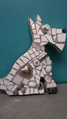 Mosaic Dog Westy Tile Art, Mosaic Art, Mosaic Glass, Mosaic Tiles, Stained Glass, Found Object Art, Found Art, Mosaic Crafts, Mosaic Projects