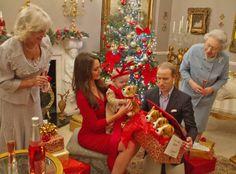 Kate Middleton, Prince George, Prince William, royal look alikes Royal Christmas, Family Christmas, Royal Look, Royal Style, Drama Free, British Royal Families, Casa Real, Kate Middleton Style, Princesa Diana