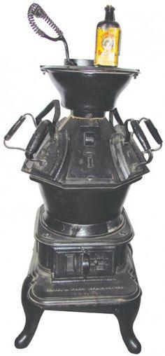 Walker & Pratt Mfg Co. Antique Iron, Vintage Iron, Cast Iron Stove, Vintage Laundry, Wood Stoves, Irons, Auction, Sad, Fire