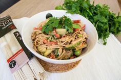Jarní salát z pohankových soba nudlí Japchae, Vegan, Dinner, Ethnic Recipes, Food, Dining, Food Dinners, Essen, Meals