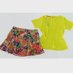 T-shirt detalhe zíper costas - Lima | Carlota Costa ♡   Saia Estampada w/ Recortes | Carlota Costa ♡ Disponível TAM. G   -------- Whatsapp 43 9148-2241   ☎  43 3254-5125    Rua Rio Grande do Norte, 19 Centro - Cambé-Pr   #lookcarolcamilamodas #lookfashion #venhaseapaixonar #workfashion #modaparameninas #estampas  #trabalharcomestilo #musthave #news #trend #euqueroo #fashionistando #acessórios