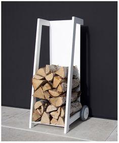 Empilement de bois de chauffage est sans doute le plus beau, ici en  solo Chariot de stockage ou de basket-ball en bois LOG . Ou peut-être que je pense le plus, un blanc ou anthracite  Cabinet Manhattan .