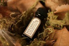 November natural perfume oil with black tea, bergamot, mushrooms, forest floor, wet soil, dried leaves – For Strange Women