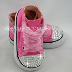 OMG baby bling converse, too cute! So doing this for my next baby shower. Bling Converse, Baby Converse, Bling Shoes, Outfits With Converse, Converse Shoes, Boy Outfits, Custom Converse, Bling Bling, Baby Girl Shoes