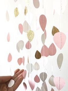 Erröten Sie rosa und Gold Glitter-Regen-Girlande