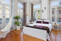 Veja este anúncio incrível na Airbnb: PORTA 33 SUITE DOWNTOWN SPOT WIFI - Lofts para Alugar em Porto
