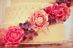 Sugar peonies & hydrangeas - Delicatesse Postres by Jenny Ho Peonies And Hydrangeas, Sugar, Cakes, Desserts, Deserts, Wedding, Tailgate Desserts, Cake Makers, Kuchen