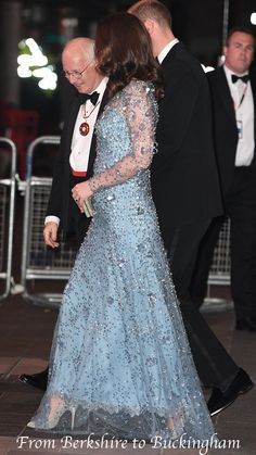 The #DuchessofCambridge wearing a new blue dress tonight to the Royal Variety Performance, via @JWhatling