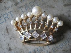 ❥ Vintage Crown Brooch <3