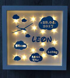 beleuchteter Bilderrahmen mit Wolken und Segelflugzeug,Geschenk Geburt Taufe, Nachtlicht von JonapWohnmanufaktur auf Etsy