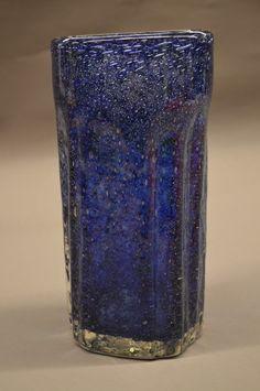 Blå kunstglass-vase. Benny Motzfeldt