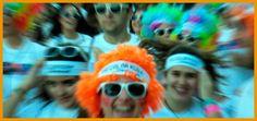 The Color Run Sevilla 2017. Los 5 km más felices del planeta vuelven a Sevilla y se celebrará el próximo 5 de noviembre de 2017. Explosión de color. #color #life #happy #colorrun #sevilla Sandy Candy, Candy Board, Hello It, Animals And Pets, Places To Visit, Food And Drink, My Favorite Things, Russia, Stuff To Buy