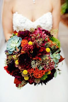 25 Gorgeous Fall Bouquets for Autumn Weddings | Bridal Musings Wedding Blog 20