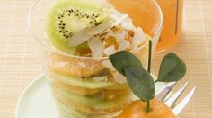 Orange kiwi salad with marmalade is something very special and something different. This salad lasts a good two days in the fridge. Kiwi, Orange Recipes, Chicken Salad Recipes, Marmalade, Cantaloupe, Pudding, Eat Smarter, Fruit, Desserts