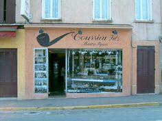 Pipe maker Courrieu's shop, Cogolin, France