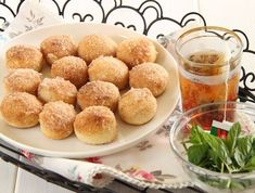mini sufganiot - baked!  Recipe in Hebrew - can someone translate?