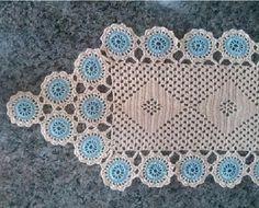 Feito em crochê com linha Princesa.  Largura: 34.00 cm  Comprimento: 157.00 cm R$ 90,00