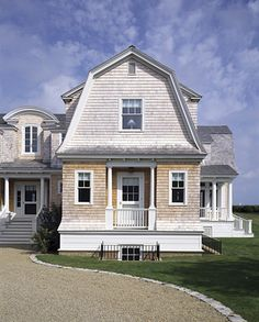 Gambrel Roofline...Edgartown, Massachusetts | Ferguson & Shamamian