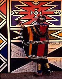 Ndebele-House-Painting-South-Africa-1996