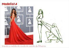 tirando a medida do vestido da Rihanna