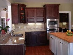 tile colors that look good with santa cecilia granite | santa cecelia granite and white cabinets/pics? - Kitchens Forum ...