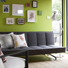 gray couch, green living room :) Ahhh! to be able to paint a wall a bright colour! One day...le siiiigh
