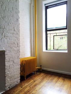 http://www.oldbrandnewblog.com/2014/01/my-temporary-home-in-nyc.html  pop of color