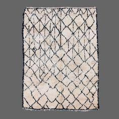 Beni Ouarain Vintage carpet, Berber carpet   Secret Berbère