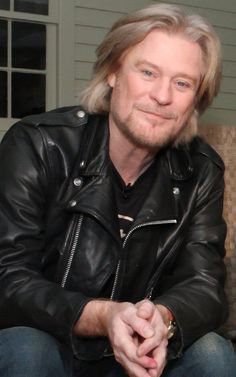 Daryl Hall  | Love that guy ! I want to come to his house.
