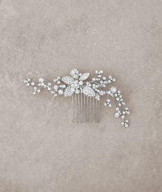 Accessori per capelli per la sposa 2016: innovare con garbo e raffinatezza Image: 14