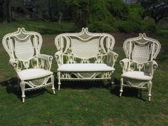 Wicker Patio Furniture – Make Your Patio Come Alive – Wicker Decor Resin Wicker Furniture, Cute Furniture, Wicker Patio Furniture, Furniture Decor, Antique Furniture, Terrarium, Vintage Patio, White Wicker, Victorian Homes