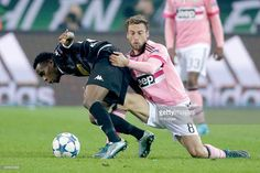 Ibrahima Traore of Borussia Monchengladbach, Claudio Marchisio of Juventus during the UEFA Champions League group D match between Borussia Mönchengladbach and Juventus Turin on November 03, 2015 at Borussia-Park in Monchengladbach, Germany.