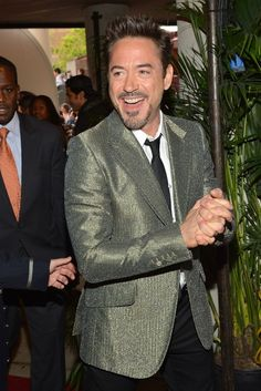 """✌️🎄Actor Robert Downey Jr. attends the """"Marvel's The Avengers"""" Premiere during the 2012 Tribeca Film Festival at the Borough of Manhattan Community College on April 28, 2012 in New York City. - """"Marvel's The Avengers"""" Premiere - 🎄✌️  Crediti : Zimbio  Passate dal nostro gruppo : https://www.facebook.com/groups/907125109438778/  -Stark-"""