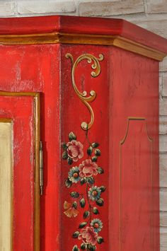 Double leaf door shaped cupboard with four seasons decoration in baroque Tyrolean style Decoration, Art Decor, Diy Home Decor, Furniture Decor, Painted Furniture, Norwegian Rosemaling, E Piano, Arte Popular, Mural Art